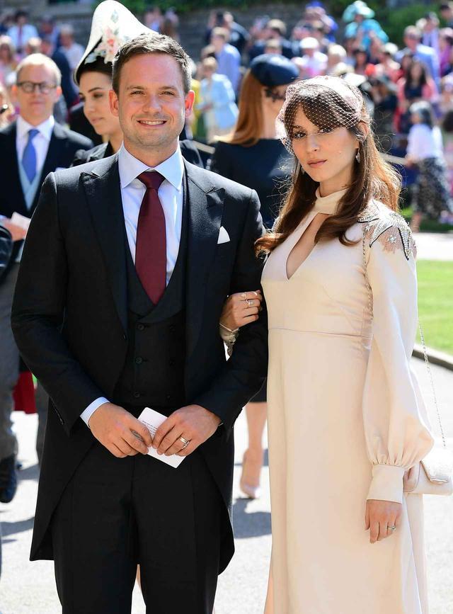 画像: ヘンリー王子とメーガン妃の結婚式に出席したアダムス夫妻