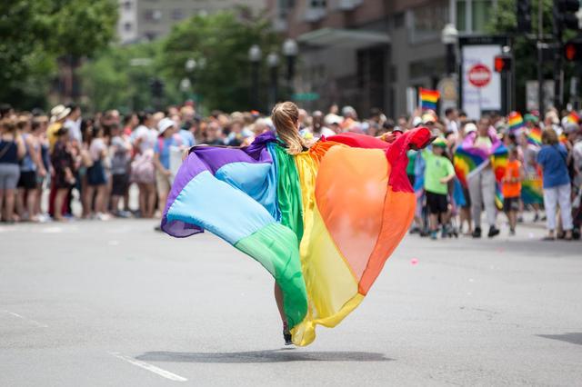 画像: LGBT+に対抗する「ストレート・パレード」の開催を企画