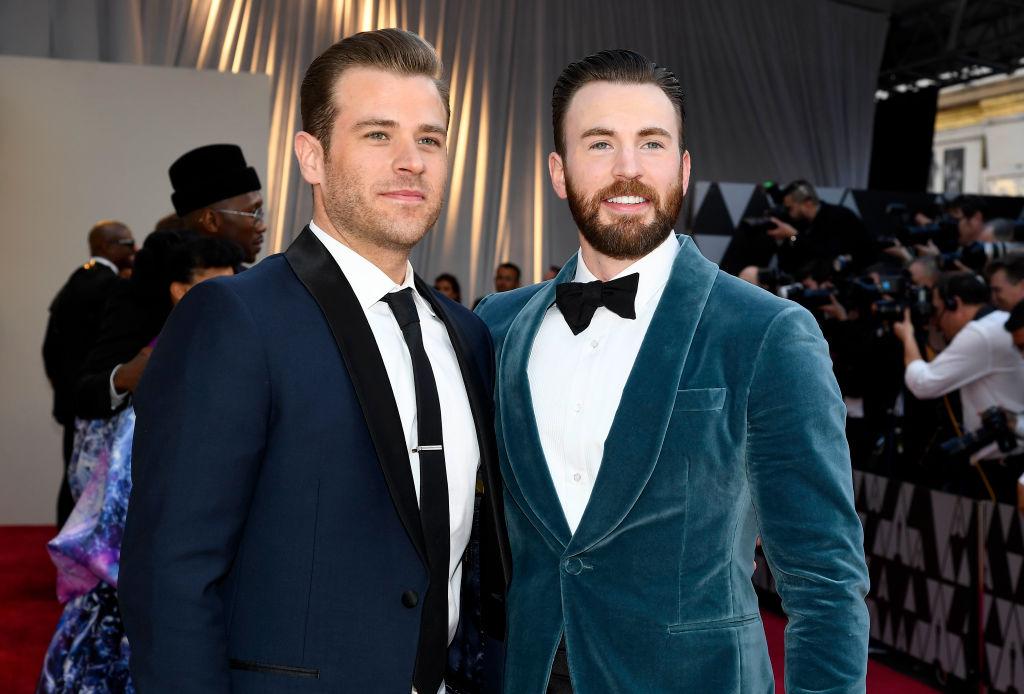 画像: 2019年のアカデミー賞受賞式にそろって参加したクリス(右)とスコット。