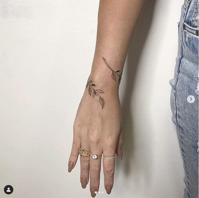 Images : 5番目の画像 - そのほか、「ブレスレット・タトゥー」のデザインをチェック!(アルバム) - フロントロウ -海外セレブ&海外カルチャー情報を発信