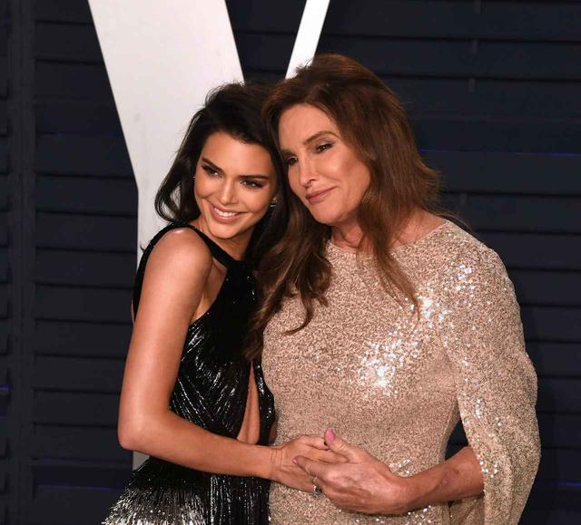 画像: ケンダル・ジェンナー(左)と性転換して女性となったケイトリン・ジェンナー(右)