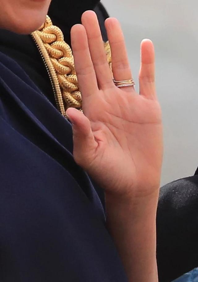 画像4: メーガン妃の左手薬指に追加された「新たな指輪」が持つ意味って?