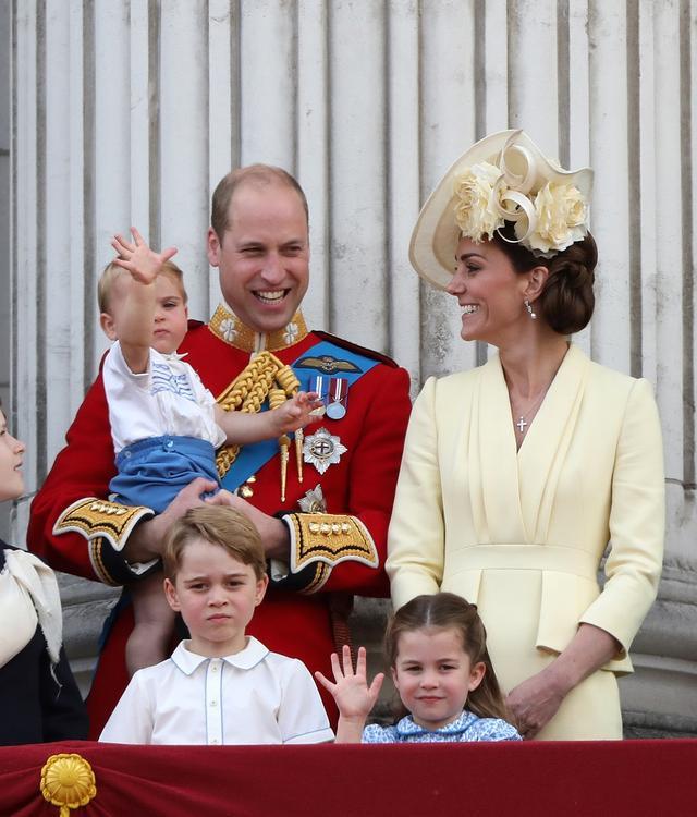 画像4: シャーロット王女、王室行事の真っ最中にひそかに「イメチェン」していた