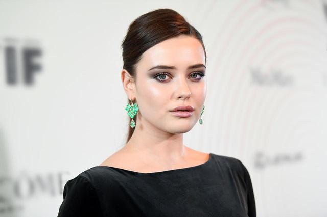 画像: キャサリンは、Netflixのオリジナルドラマ『13の理由」のハンナ役で大ブレイクを果たした注目の若手女優で、公開前から『アベンジャーズ/エンドゲーム』に出演することが密かにウワサされていた。