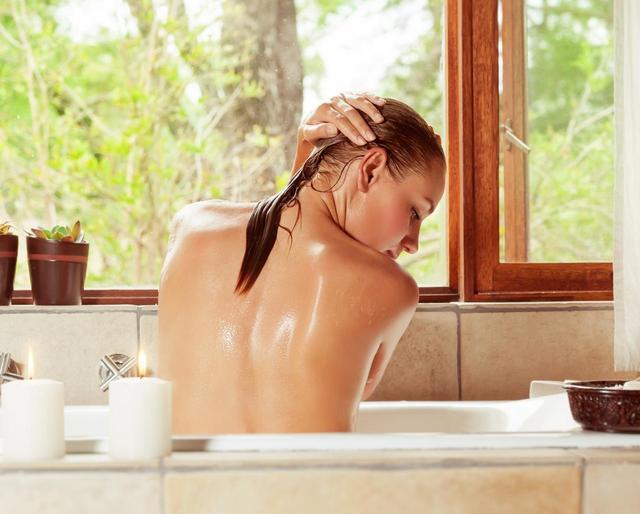 画像: アミナスは、アミノ酸で優しく洗って「奪わない」