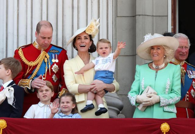 画像: ルイ王子が王室公式行事に初参加
