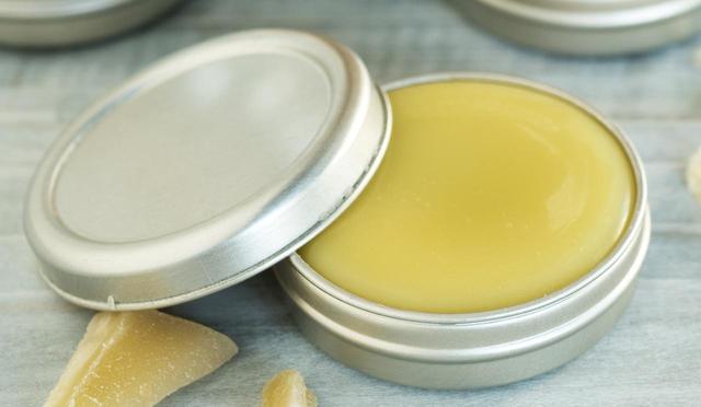 画像: リップを塗る前の唇をしっかり保湿しておく