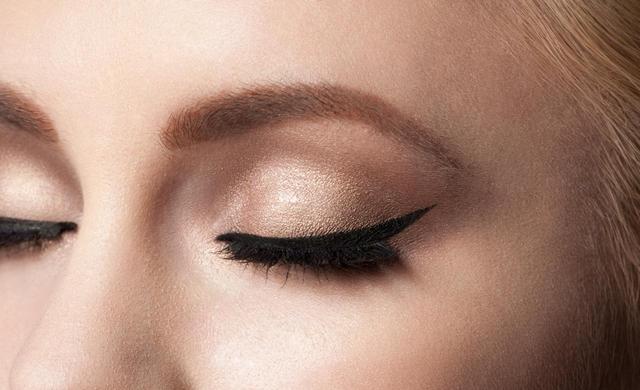画像2: カラーリングした髪にぴったりの「眉色選び」法