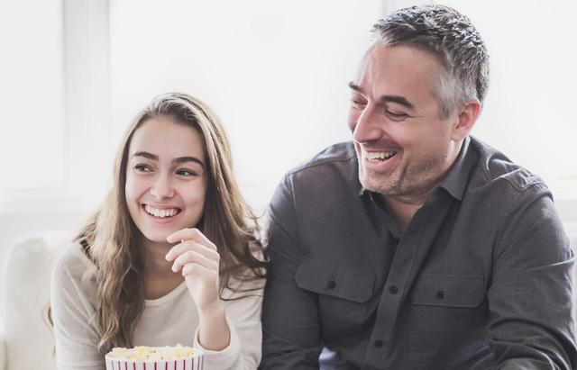 画像: 父と娘の絆を感じさせる、海外の「父の日・タトゥー」デザインをウォッチ