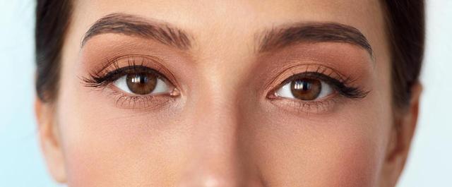 画像1: カラーリングした髪にぴったりの「眉色選び」法