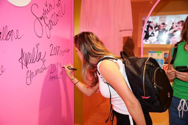 画像2: 【独占】シルベスター・スタローン家の美人姉妹、都内サマンサベガでショッピング♡