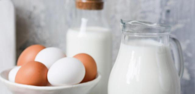 画像: 朝ごはんはシンプルに、卵やヨーグルト