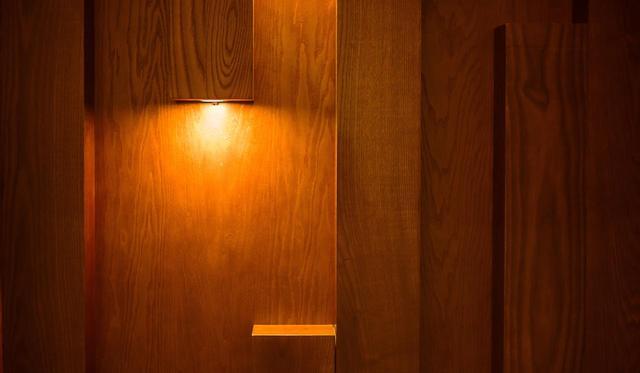 画像: 電球、電球色(暖色)