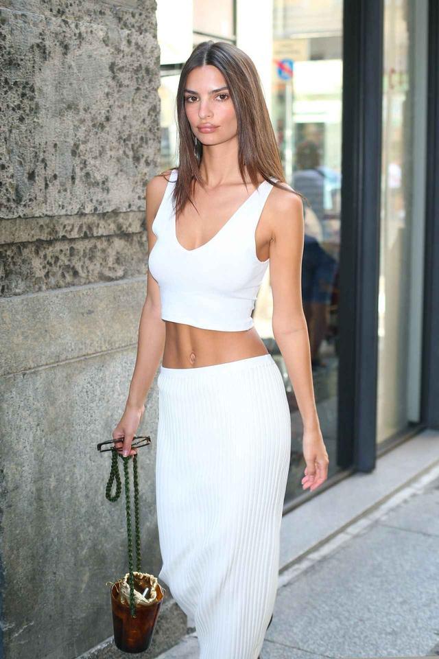 画像2: 人気モデルのエミリー・ラタコウスキー