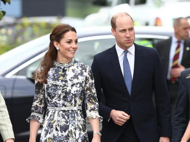画像2: ジョージ王子の学校の先生、ウィリアム王子の親友と婚約