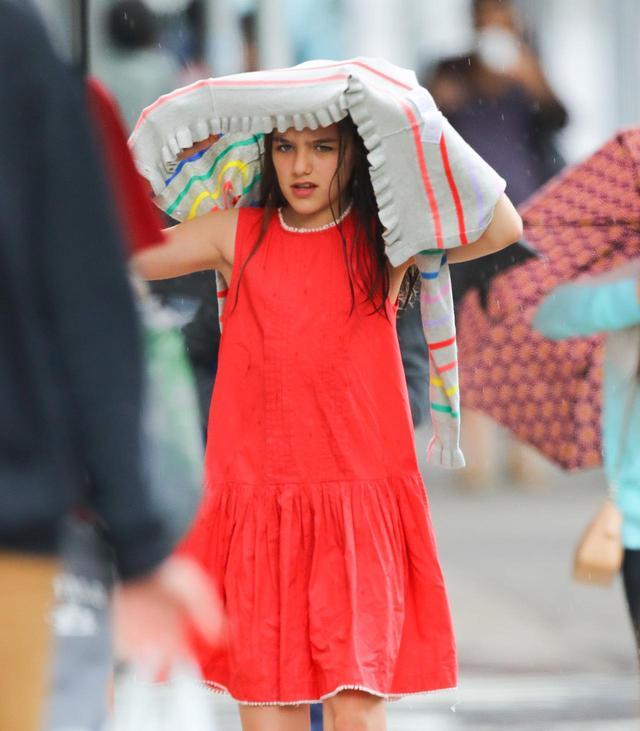 画像1: 雨が降ったら傘をささずに…