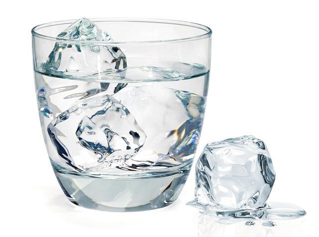 画像1: 水と氷を用意