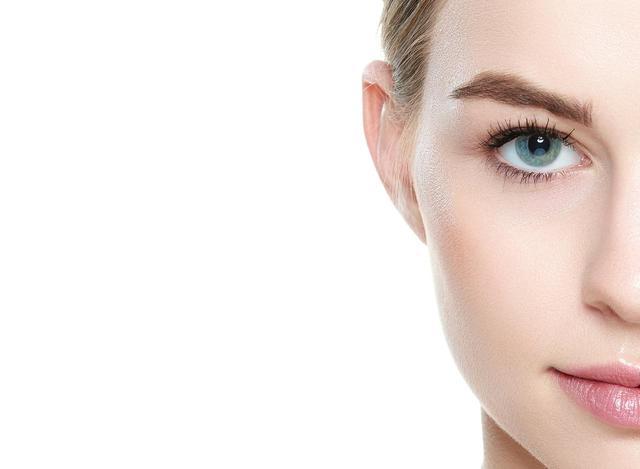 画像: 「奥二重」「ホリが深い」「目がくぼんでいる」人の瞳が最高に輝くアイメイク術