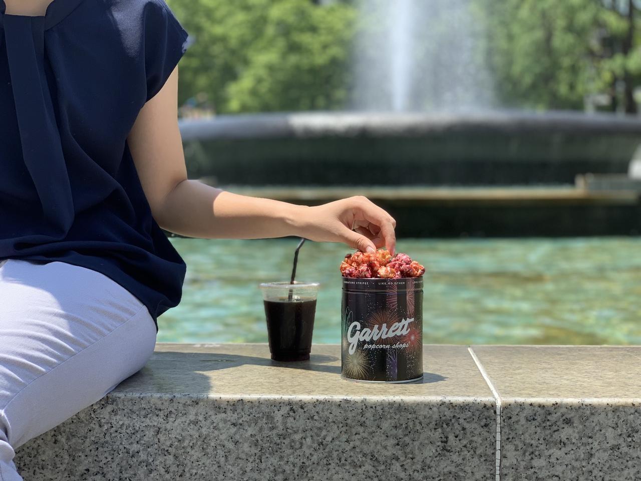 画像2: ギャレット ポップコーン新作、ベリーキャラメルが花火の缶に
