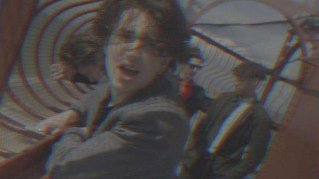 画像: U2ボノ息子とノエル・ギャラガー娘、友達の2人がMVを一緒に制作