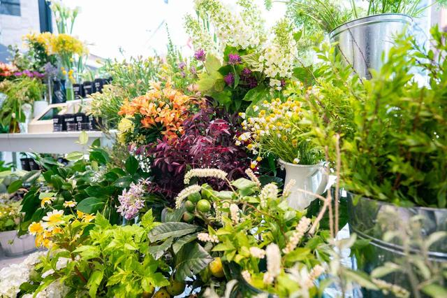 画像: LUSH新宿店で販売されている「1%」の花って?