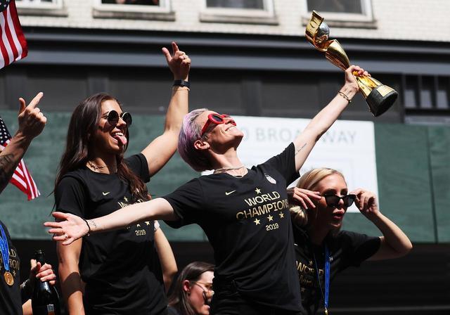 画像: サッカーアメリカ合衆国女子代表の凱旋パレード
