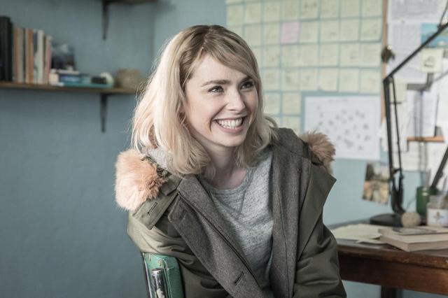 画像1: 美女エリー役のフレイア・メイヴァーの新画像を独占解禁