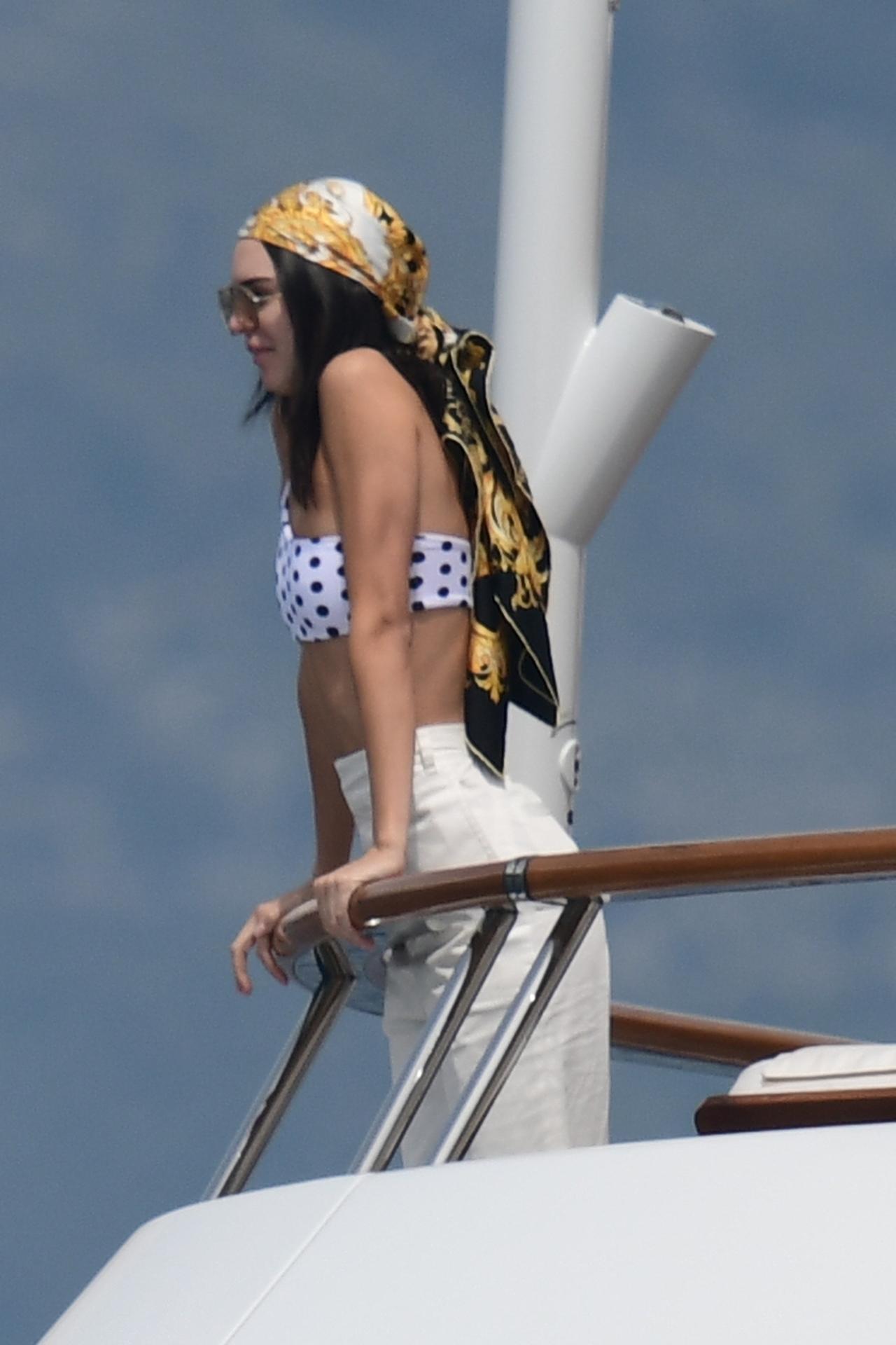 画像2: 水着のプラスにスカーフが使える