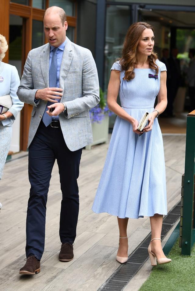 """画像3: キャサリン妃、ウィリアム王子との""""デート""""に「8千円」のヒールを着用"""