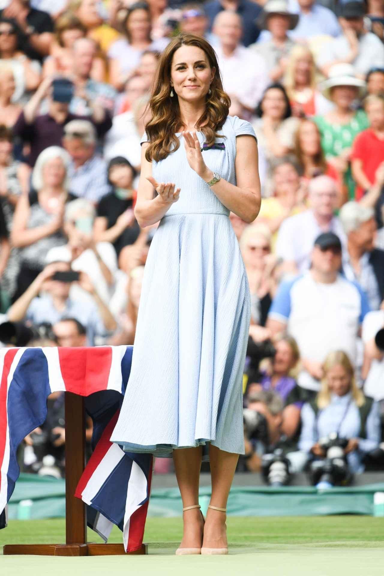 """画像1: キャサリン妃、ウィリアム王子との""""デート""""に「8千円」のヒールを着用"""