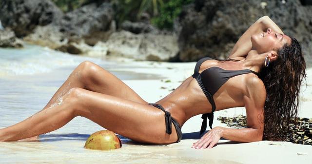 画像: 夏を満喫!水着に映える「ビーチ・タトゥー」デザイン集