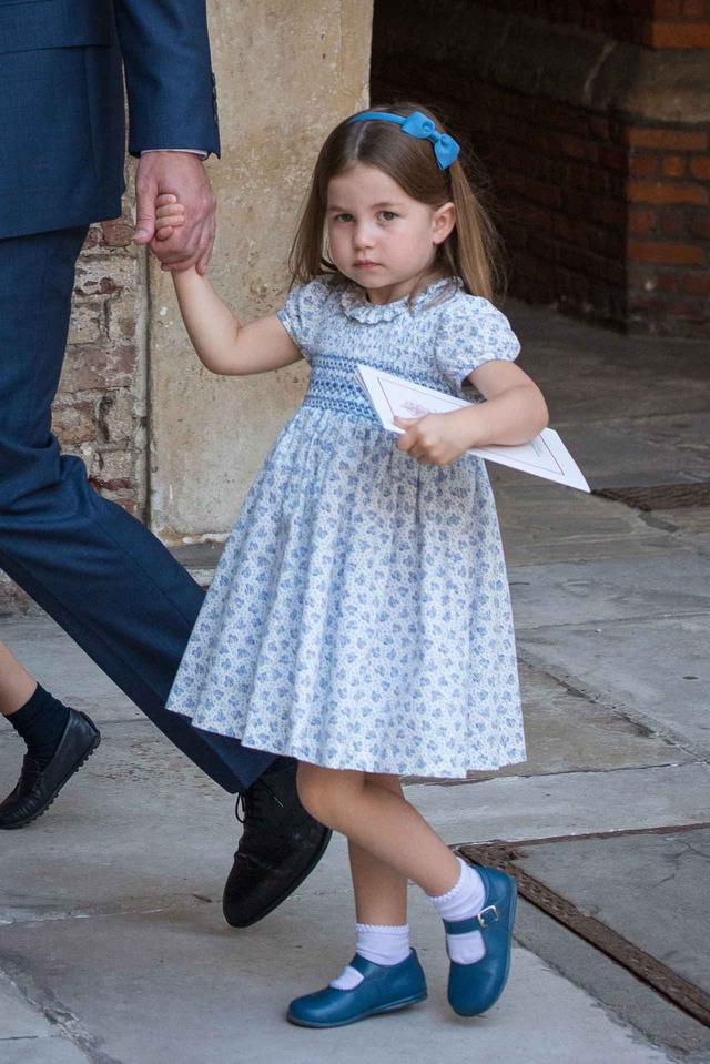 画像1: 王女がお気に入りのポーチは...
