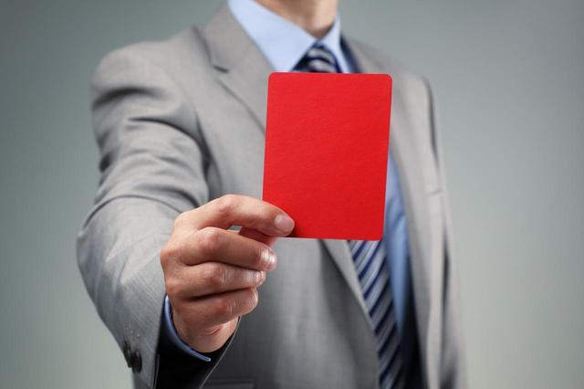 画像2: キャリアのために声を挙げられないスタッフ