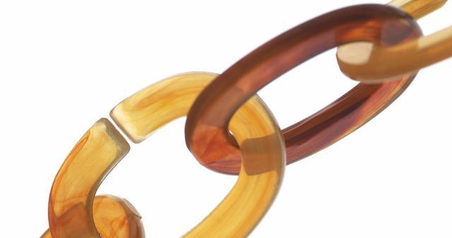 画像: 海外で人気の「べっ甲ネイル」ネイルデザイン