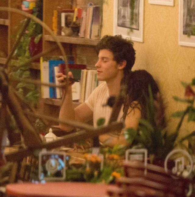 画像1: 地元大学生に人気のカフェに出没