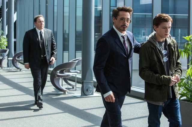 画像: MCUで描かれたロバート・ダウニー・Jr.が演じたトニー・スターク(アイアンマン)との師弟関係も高い人気を誇る。