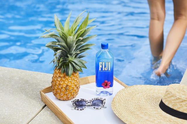画像: 美を極めるトップモデルたちが飲み続ける「フィジーウォーター」!