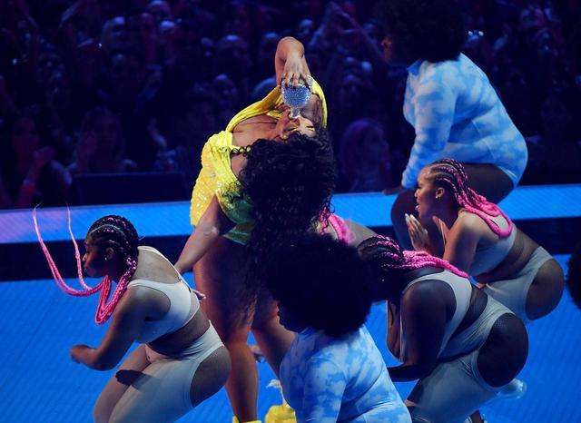 画像2: MTV VMAにノミネートを果たしたリゾ