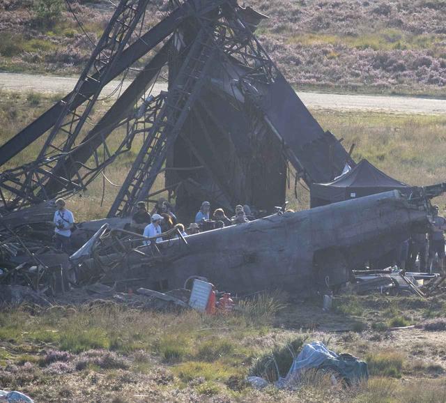 画像5: 宇宙船が墜落するセット