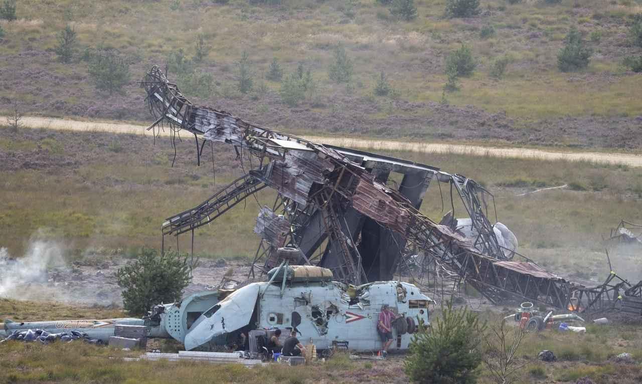 画像4: 宇宙船が墜落するセット