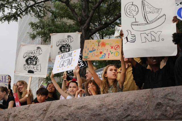 画像2: 世界を動かす10代グレタ・トゥーンベリ