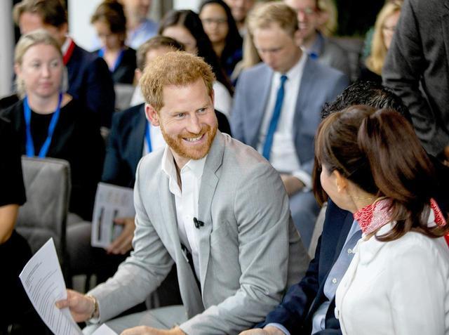 画像1: 第1子を育てているヘンリー王子