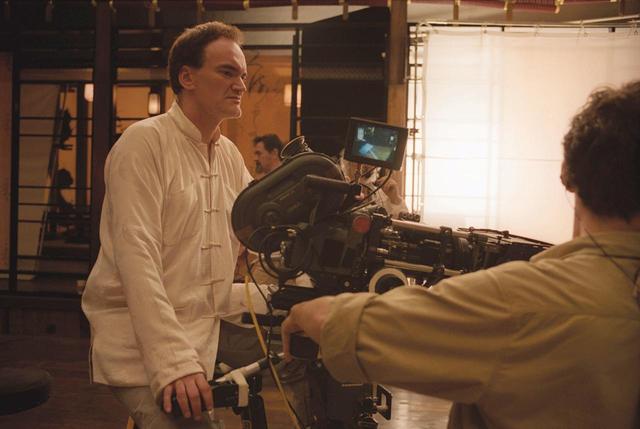 画像: 『キル・ビル』撮影時のタランティーノ監督。 MIRAMAX / Album/Newscom