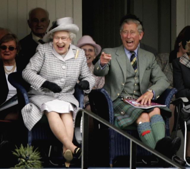 画像: エリザベス女王が観光客の勘違いに便乗