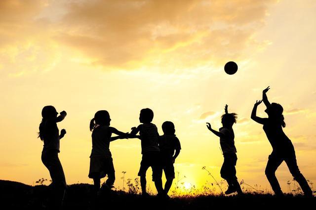 画像1: 小学校のドッジボールに参加したら起訴