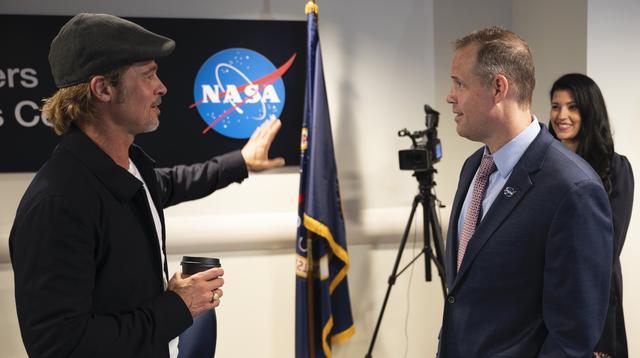画像: NASA本部に赴いたブラッド