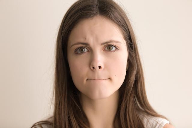 画像1: 唇はこすり合わせない