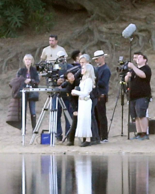 画像5: 『エターナルズ』撮影中のアンジェリーナを激写