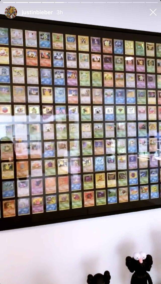 画像1: 大量のポケモンカードを額に入れて飾る