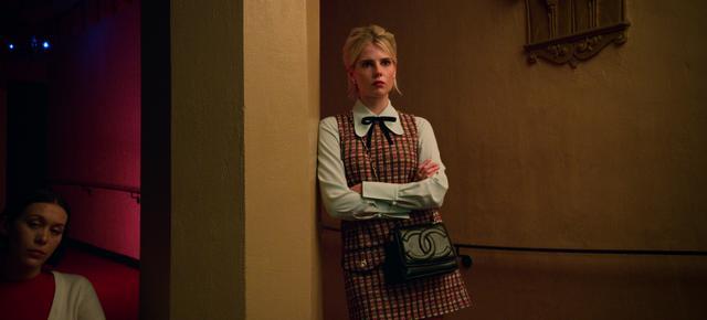 画像: 政治的野心あふれる女生徒役のルーシー・ボイントン ©Netflix